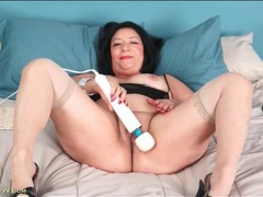 Chubby ass mature chick plays with her favorite toy movies at sgirls.net