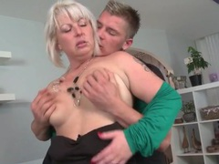 Mommy with a lusty mouth sucks a dick videos