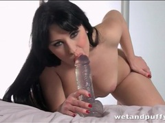 Lusty dildo blowjob makes it wet for her cunt videos