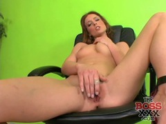 Redhead with a gloriously tight body masturbates videos