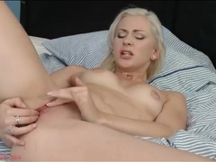 Clit rubbing and cunt fingering a sexy close up video videos
