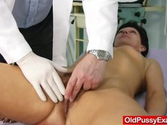 Unshaven housewife eva visits gyno doc fuck hole inspection videos