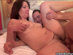 Sultry mom needs dick in her hairy pussy movies at kilotop.com