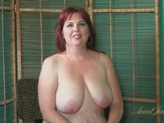 Mature bbw bares her big tits and sexy ass movies at adspics.com
