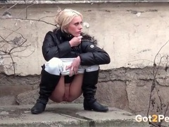 Outdoor pissing on a cold winter day movies at sgirls.net