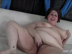 Plumper rubs her hairy cunt and moans videos