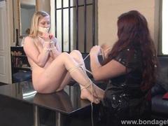 Blonde fetish babe satine spark movies at kilotop.com