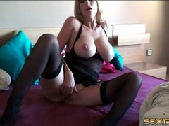 Huge breasts solo mom masturbates her tight cunt videos