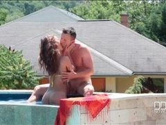 Poolside blowjob in the sun from a bikini babe clip