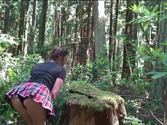 Schoolgirl hottie in the forest gives a good blowjob videos