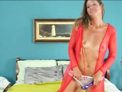 Tall mom with sexy tan lines vibes her snatch videos