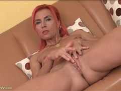 Fit and skinny milf with pink hair fingers solo movies at kilotop.com