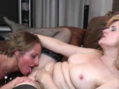 Milf eats out mature pussy and slippery asshole movies at find-best-panties.com