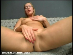 Amateur fills her once tight asshole with a giant dildo movies at kilopics.net