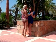 High heels and pretty dresses on cute lesbians movies at kilomatures.com