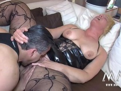 Mature bbw cunt milks an orgasm from his cock clip