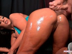 Big booty girl coated in oil and fucked in her cunt videos