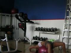 Cam spies on a fit chick working out videos