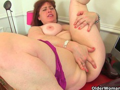 British milf janey works her hairy pussy movies at find-best-hardcore.com