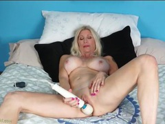 Solo milf with incredible fake tits masturbates solo movies at adipics.com