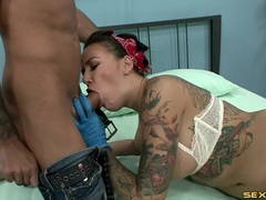 Blue latex gloves on a dick riding tattooed babe movies at kilotop.com