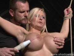 Busty slave melanie moons electro tortures videos