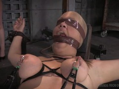 Blindfolded girls are bound and suffering in the dungeon videos