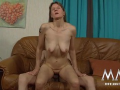 Cute mature chick banged by his young dick videos