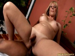 Curvy shemale boned bareback by a big cock movies at freekilosex.com