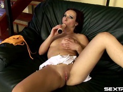 Juicy pussy opens up for a thick dildo videos