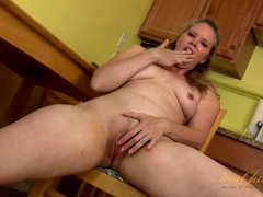 Mommy talks dirty and plays with her twat tubes