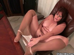 American milf kelli feels so horny today videos