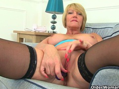 British milf raven strips off and teases her pussy videos