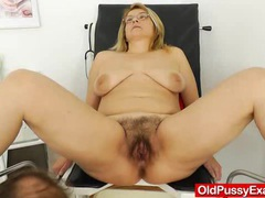 Experiencing pleasures during a lady gyno movies at adipics.com