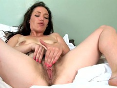 Wicked hairy bush on a solo mom rubbing her cunt videos