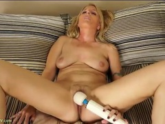 Magic wand makes a sexy milf moan lustily videos