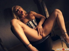 Lady boss milf squirts videos