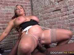 Prisoner fucks a busty milf slut in her cunt videos