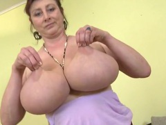 Huge natural mature tits swing back and forth videos