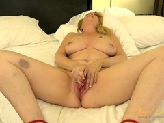 Curvy mom in high heels plays with a new vibrator movies at find-best-panties.com