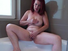 Big booty mature redhead rubs her hot holes videos