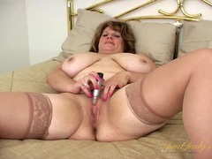 Mature bbw in satin and stockings masturbates videos