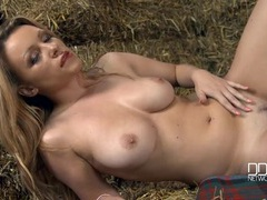 Curvy farmgirl in the barn gets fully nude for you movies at kilotop.com
