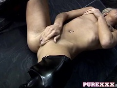 Babe in thigh high leather boots masturbates solo movies at freekilopics.com