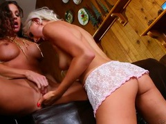 Bleach blonde chick fingers and kisses her lover videos