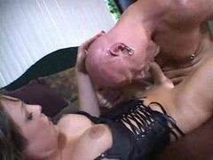 Horny and hot tranny wants it up the ass movies at kilotop.com