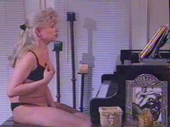 Beautiful tranny masturbating her cock videos