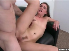 Amateur sucks the dick that fucks her pussy videos