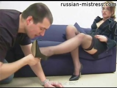 He kisses her heels and sucks her toes videos