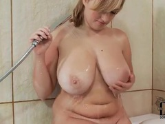 Warm bath for a curvy girl with big tits movies at lingerie-mania.com